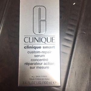 New in box Clinique smart custom repair serum
